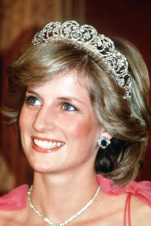 Công nương Diana luôn làm sạch và dưỡng da đều đặn mỗi ngày.