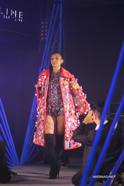 toc-tien-phuong-mai-do-ve-sexy-trong-su-kien-7