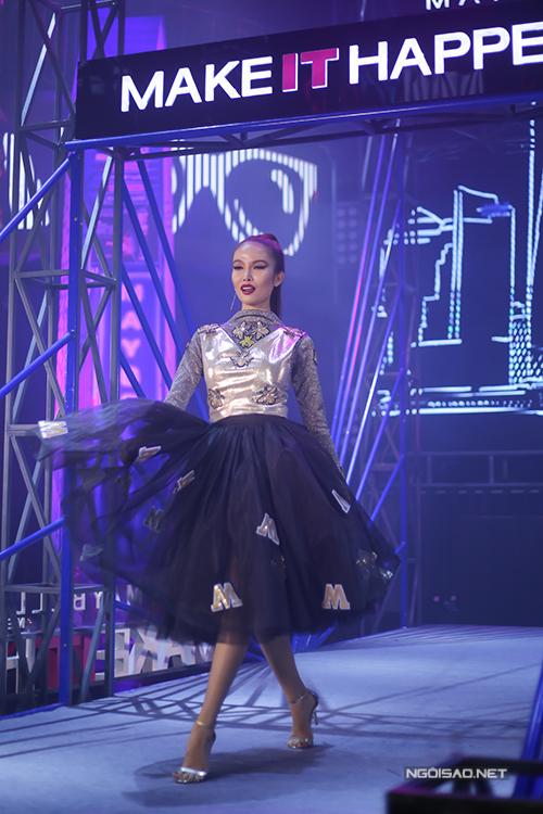toc-tien-phuong-mai-do-ve-sexy-trong-su-kien-8