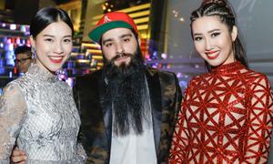 Đạo diễn phim 'Kong' ôm eo Á hậu Hoàng Oanh trong sự kiện