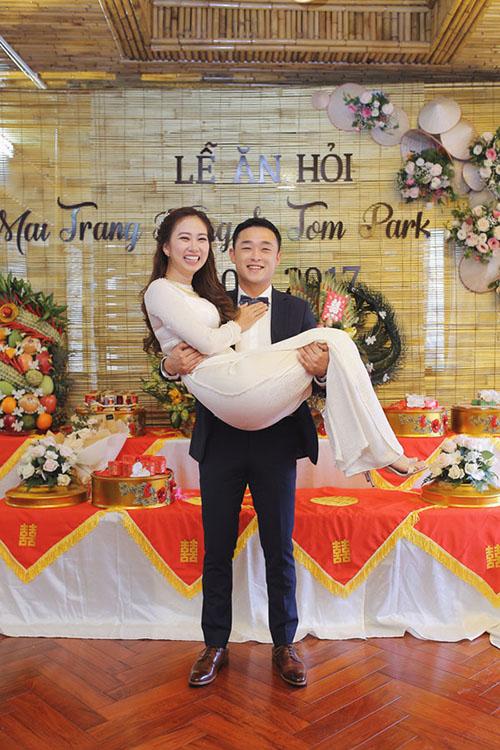 [Caption]Tom Park và Mai Trang Hằng