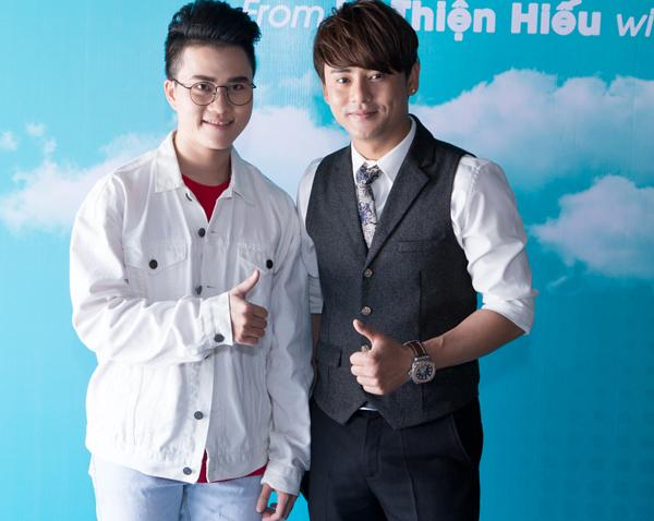 huong-giang-idol-den-mung-nam-ca-si-chuyen-gioi-le-thien-hieu-4