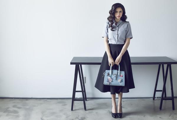 Từng set đồ được phối hợp một cách nhịp nhàng từ màu sắc cho đến phom dáng nhằm mang đến hình ảnh hoàn hảo cho giới nữ văn phòng.