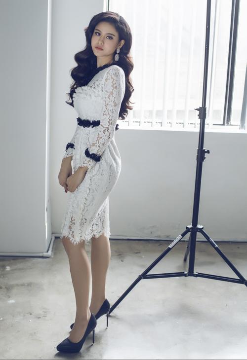 Bộ ảnh được thực hiện với sự hỗ trợ của tổ chức sản xuất Nguyễn Thiện Khiêm, nhiếp ảnh Cúm Make up: Trang Bùi