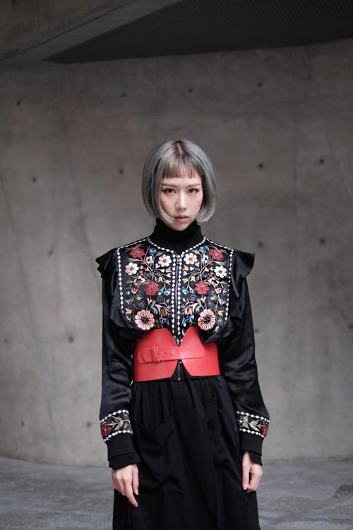 sao-viet-an-mac-cuc-chat-tai-seoul-fashion-week-8