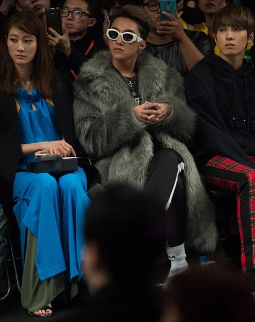 sao-viet-an-mac-cuc-chat-tai-seoul-fashion-week-2