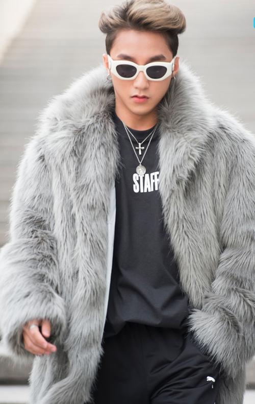 sao-viet-an-mac-cuc-chat-tai-seoul-fashion-week-1