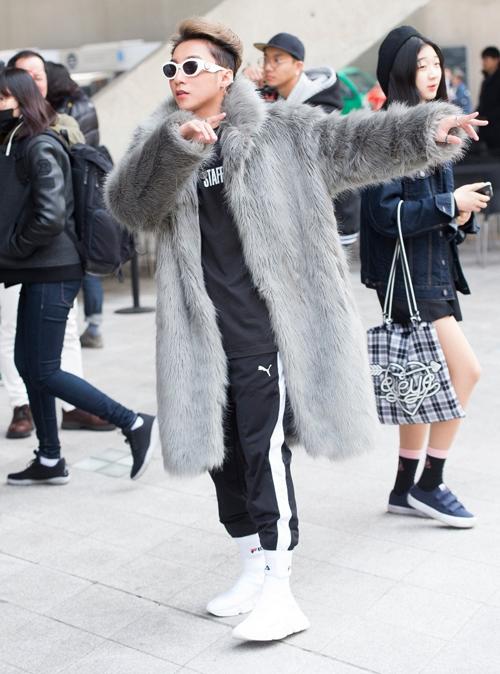 sao-viet-an-mac-cuc-chat-tai-seoul-fashion-week