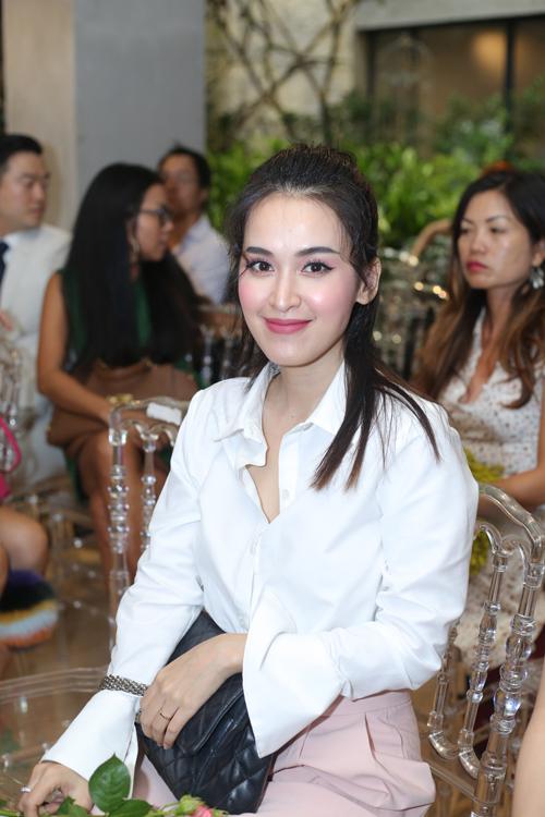 angela-phuong-trinh-khong-chiu-gap-dao-dien-vi-chua-ro-muc-dich-9