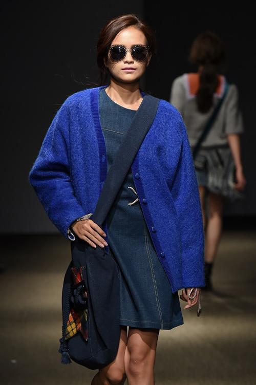 ngoc-chau-an-tuong-tren-san-dien-seoul-fashion-week-1