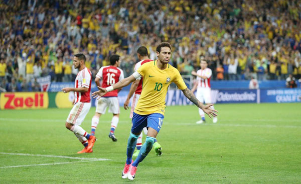 neymar-quy-cung-ban-gai-mung-chien-tich-cua-brazil-7