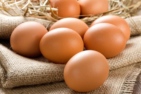 Trứng chứa 75% là nước, giàu dinh dưỡng, giúp chống lão hóa da hữu hiệu.