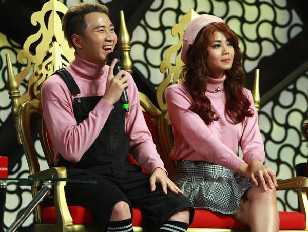 rapper-karik-khoac-tay-ban-gai-dam-phuong-linh-tren-san-khau-6