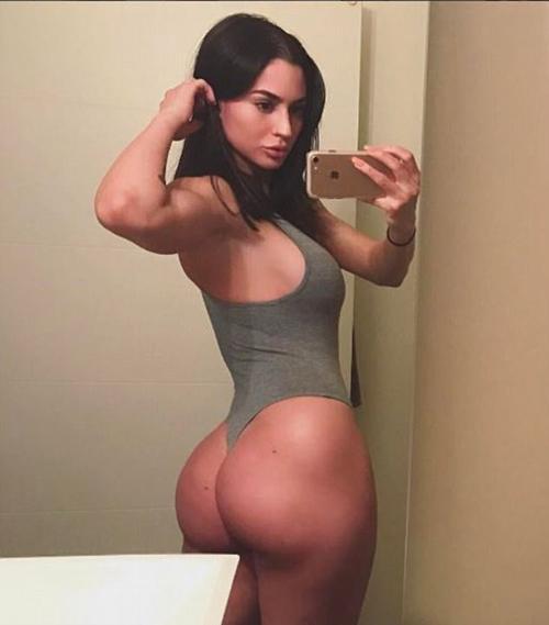 cuu-nu-quan-nhan-tro-thanh-nguoi-mau-bikini-hot-nhat-instagram-page-2-4