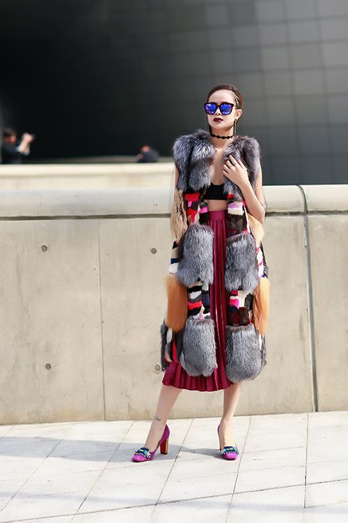 sella-truong-lot-xac-voi-phong-cach-ca-tinh-tai-seoul-fashion-week-7