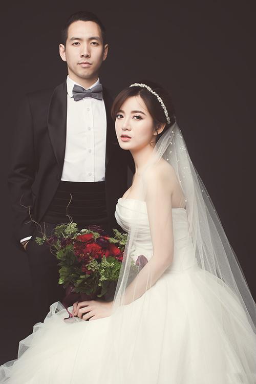 [Caption]Trước đó, vợ chồng Tú Linh hoàn thành bộ ảnh cưới được chụp tại nhiều địa danh nổi tiếng ở Pháp, Italy và Việt Nam.