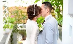 Hot girl Tú Linh hôn chú rể ngọt ngào trong đám cưới