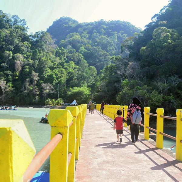 ho-trinh-nu-thu-thai-nhuom-mau-truyen-thuyet-o-malaysia-5