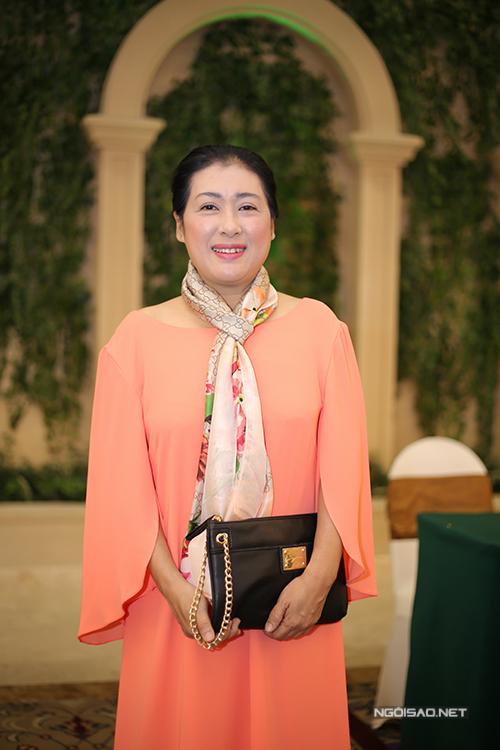 kim-tuyen-hieu-nguyen-tinh-tu-di-su-kien-sau-khi-sam-vai-vo-chong-6