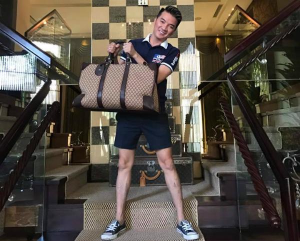 Mr Đàm lại rao bán bộ sưu tập túi xách hàng hiệu.
