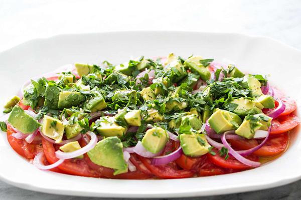 salad-bo-va-ca-chua-1