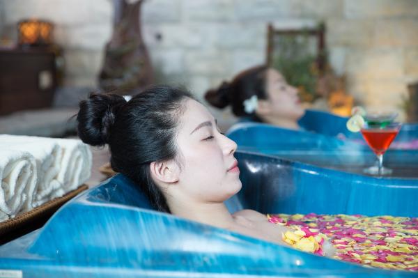 lam-dep-khong-gioi-han-voi-aquamarine-spa-trong-dip-he-6