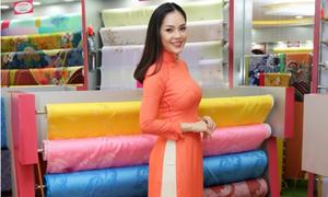 Dương Cẩm Lynh đẹp nền nã với áo dài truyền thống