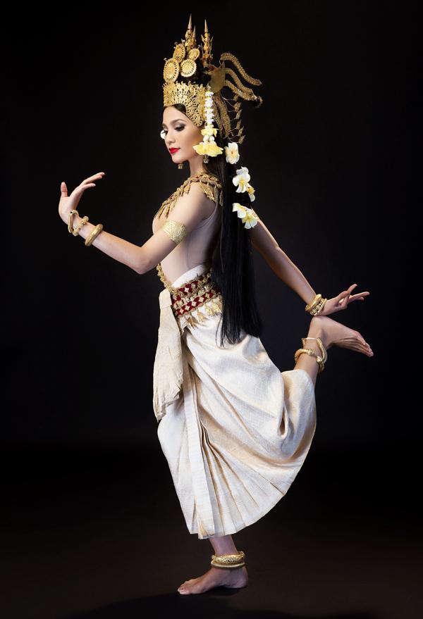 truong-thi-may-mua-dieu-apsara-mung-tet-khmer-2