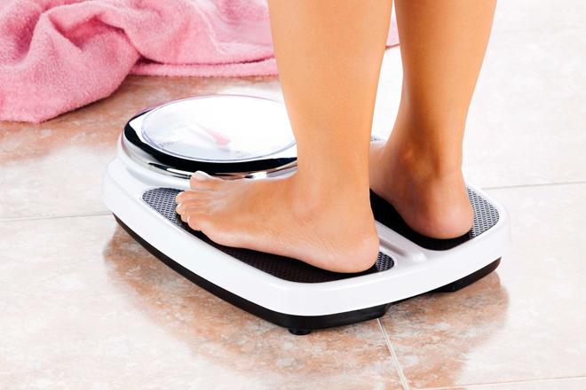 Thời điểm thích hợp nhất để kiểm tra trọng lượng là vào buổi sáng trước khi ăn hay uống bất cứ thừ gì