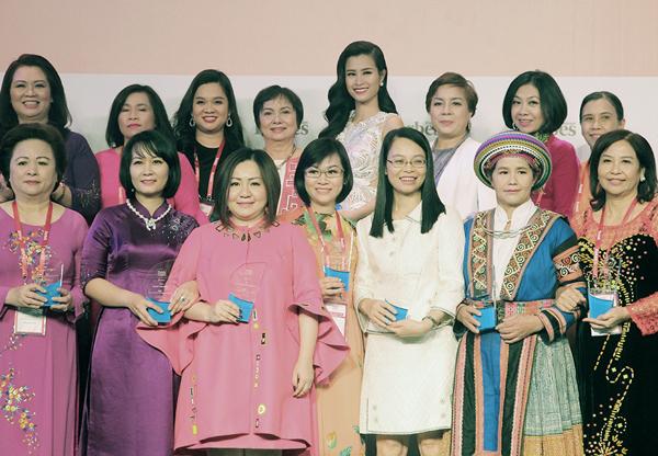 dong-nhi-lot-top-50-phu-nu-anh-huong-nhat-viet-nam-3