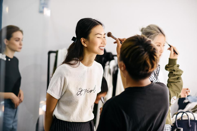 Theo dự kiến, bộ sưu tập IT Girl của Phương Trinh và một nhãn hiệu thời trang trong nước sẽ được giới thiệu vào cuối tháng 4 tại TP HCM./