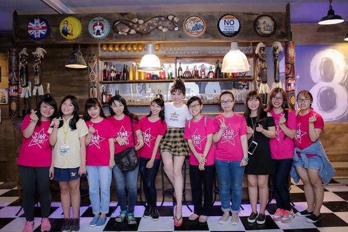 fan-bat-ngo-keo-nhau-den-ung-ho-hari-won-tai-truong-quay-4
