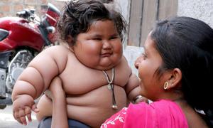 Bố mẹ bối rối vì con 8 tháng tuổi cuồng ăn, tăng cân 'chóng mặt'
