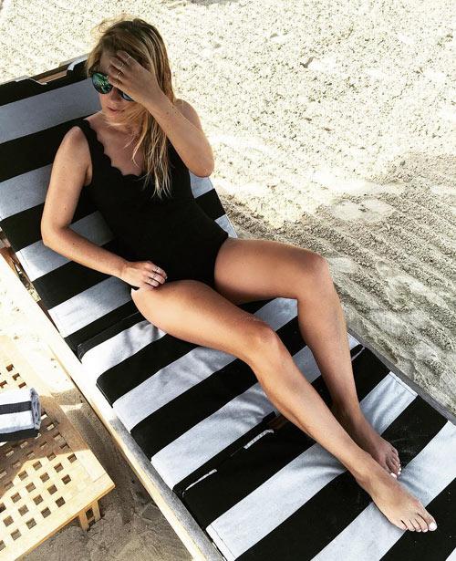 14-tu-the-tao-dang-hut-hon-khi-dien-bikini-3