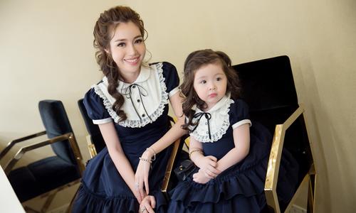 Elly Trần và con gái diện đồ đôi trình diễn thời trang