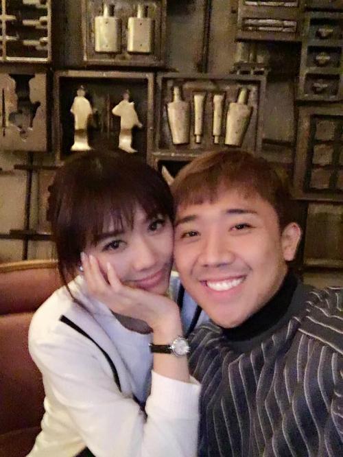 Hai vợ chồng Hari và Trấn Thành tiếp tục khoe những hình ảnh tình tứ ở Hàn Quốc.