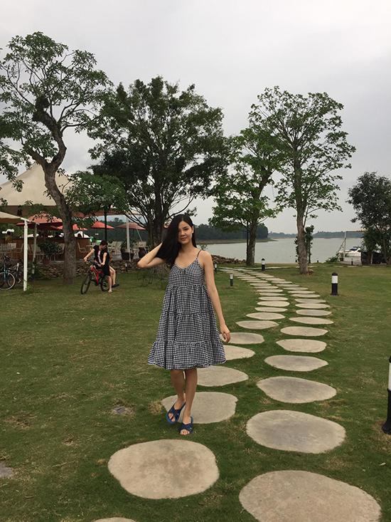 mac-hong-quan-ky-han-selfie-hon-nhau-duoi-nuoc-4