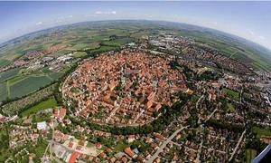 Thị trấn nổi tiếng vì chứa 72.000 tấn bụi kim cương