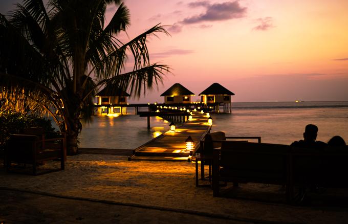 video-o-maldives-cua-doi-vo-chong-viet-xon-xao-cong-dong-phuot-the-gioi-4