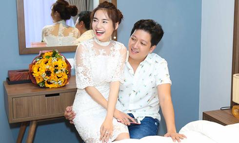 Trường Giang đón sinh nhật cùng Nhã Phương tại biệt thự 15 tỷ đồng