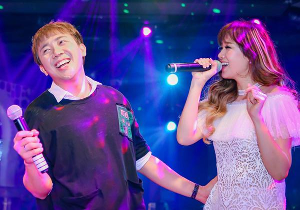 tran-thanh-ngot-ngao-song-ca-cung-hari-won-trong-buoi-hop-fan-3