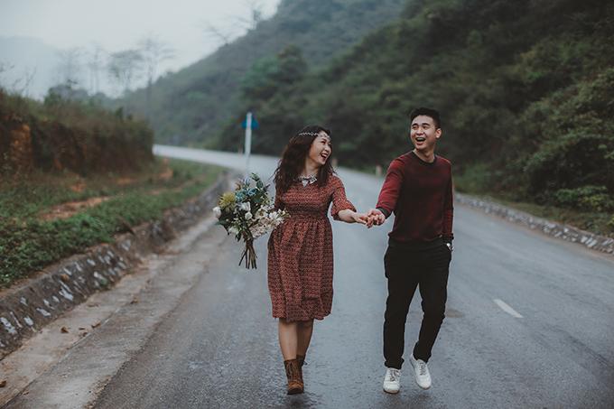 [Caption]Chủ nhân của bộ ảnh cưới này là cô nàng Vương Ngọc Hiền (nhân viên ngân hàng) và anh chàng Bùi Đức Tùng (công an, cùng sinh năm 1992, Cao Bằng).