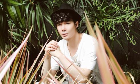 Nathan Lee hé lộ không gian xanh mát trong biệt thự riêng