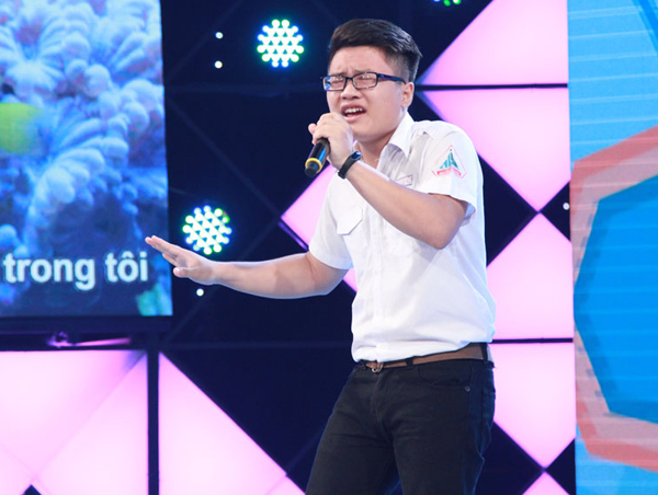 tran-thanh-ha-hoc-mieng-khi-nghe-nam-sinh-17-tuoi-hat-karaoke