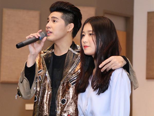 4-trai-xinh-gai-dep-duoc-cuu-tai-the-voice-2017-2