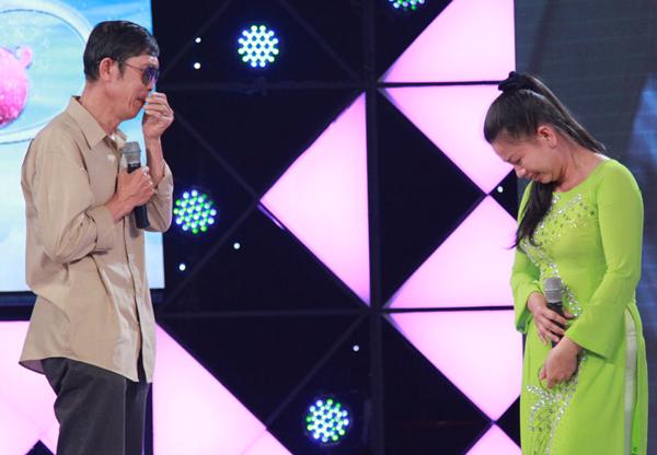 tran-thanh-ha-hoc-mieng-khi-nghe-nam-sinh-17-tuoi-hat-karaoke-4