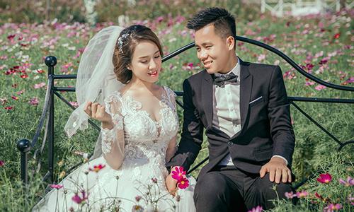 Tiền đạo trẻ Thanh Hóa cưới vợ đúng ngày tập trung đội U22 Việt Nam