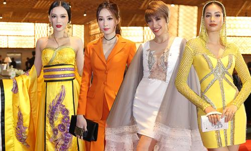 Sao Việt ăn mặc loè loẹt, diêm dúa trên thảm đỏ