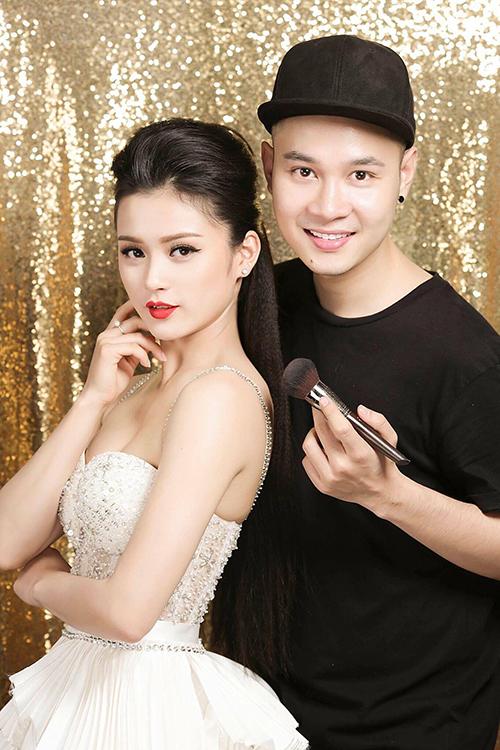 Bộ ảnh được thực hiện bởi chuyên gia trang điểm và làm tóc Thịnh Nguyễn, trang phục: NTK Huy Trần, model: Lê Tú Trinh.