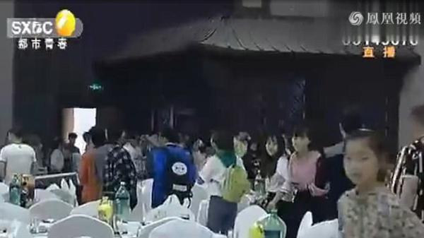 co-dau-goi-canh-sat-bat-chu-re-ngay-trong-dam-cuoi-1